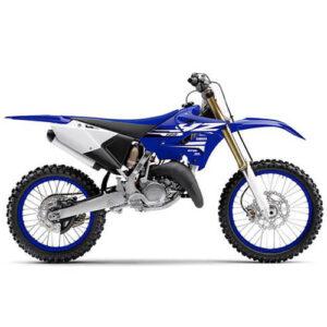 Moto de motocross y enduro con toques dorados