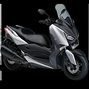 Moto Xmax negra con plateado